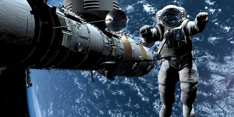 Uzay Mekiğinde Yanlış Kapıyı Açarsak… ?