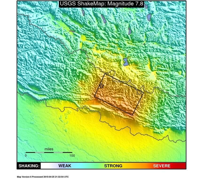Haritada depremin merkez üssü (yıldızla gösterilmiş) ve çevresindeki sarsıntı şiddeti gösterilmektedir. (Harita Lejanı : Soldan sağa; zayıf, güçlü, şiddetli)