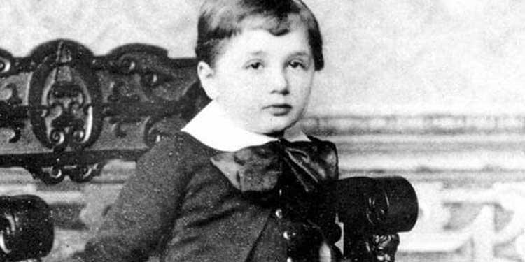 Einstein 3 yaşında -Apic/Getty Images