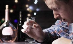 HIV Enfeksiyonu Olan Erkekler Alkolden Daha Hızlı Etkileniyor