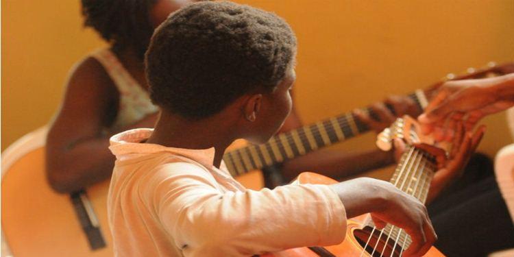Neden çocuklarınız sizden daha iyi gitar çalar?