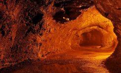 Teorik olarak Ay'da büyük lav kanalları bulunabilir
