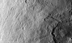 Yeni Fotoğraflarla Ceres'in Etkileyici Jeolojisi