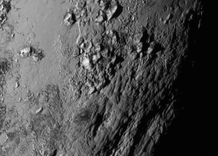 Pluton-ve-charon-ilk-yakin-goruntuler-ve-kesifler-bilimfilicom