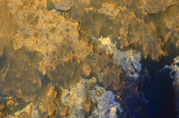 MRO'nun gözünden Mars yüzeyindeki Curiosity (NASA/JPL-Caltech/Univ. of Arizona)