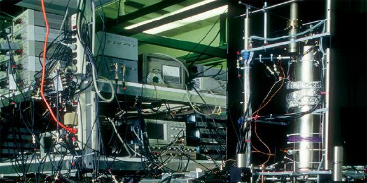 Neden Atomik Saatler Zamanı Daha Doğru Ölçüyor?