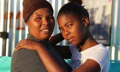 Zor durumda kalındığında, aileler kızlarını erkek çocuklarına tercih ediyor