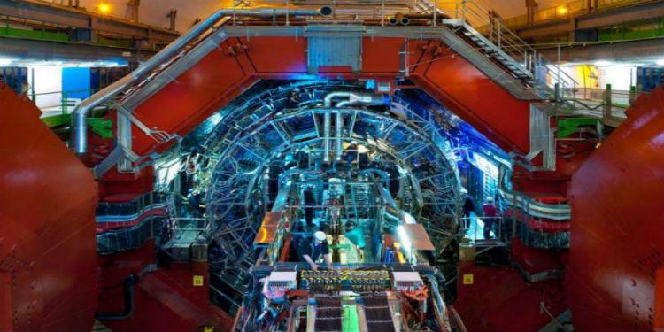 CERN Simetri Ölçümlerine Göre Madde ve Antimadde Birbirlerinin Yansımaları!