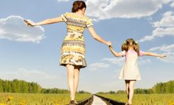 Ebeveynler Çocuklarının Mutluluk Seviyesini Olduğundan Yüksek Düşünüyor