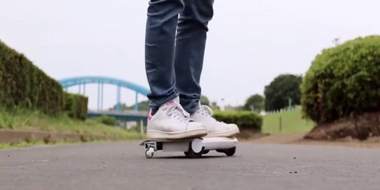 """Japon Mühendisler Dünya'nın İlk """"Taşınabilir Arabasını"""" Yaptılar"""