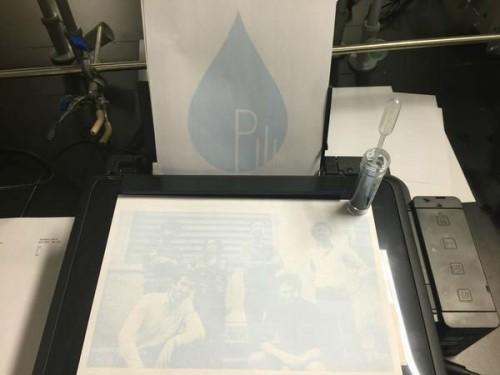 Araştırmacıların, ürettikleri mürekkep ile bastıkları ilk sayfa