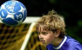 Futbol Topuna Kafa ile Vurmak, Beyin Hasarına Yol Açar Mı?