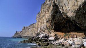 Gorham Cave, Gibraltar bir zamanlar bir Neanderthal kolonisi burada yaşıyordu. (Credit: Javier Trueba, MSF/SPL)