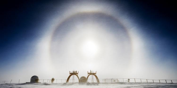 Antarktika'da Görülen Işık Halkası
