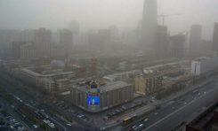 Delhi'de Hava Kirliliğinden Dolayı Otomobillerin Yarısının Trafiğe Çıkması Yasaklandı