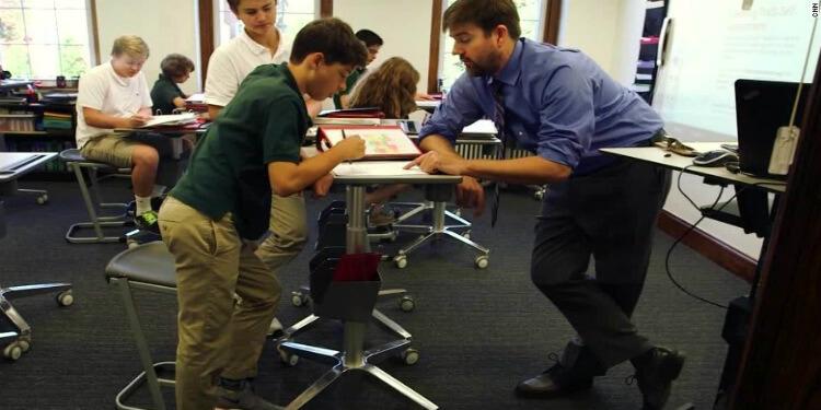 Yüksek Masalarda Eğitim Gören Çocukların Bilişsel Fonksiyonları Gelişiyor