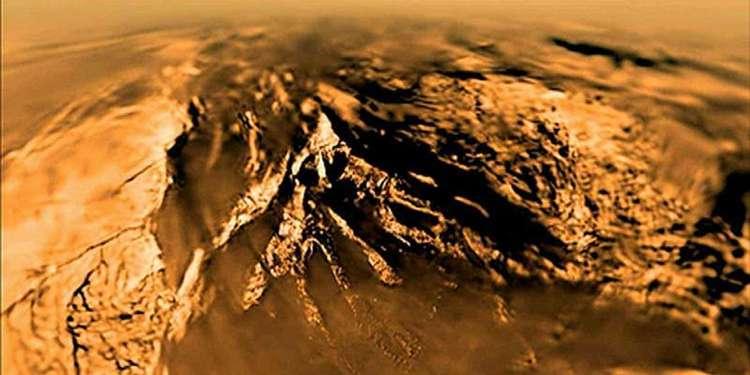 Titan'da Su Bazlı Olmayan Yaşam Olabilir