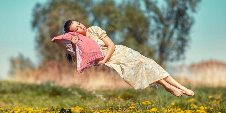 Uykuya Dalmadan Önce, Neden Düşme Hissi Yaşarız?