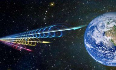 Bir Kozmik Bilmece Bir Diğerinin Çözümüne Yardımcı Olabilir mi?