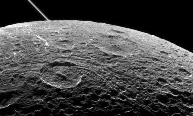 Satürn'ün Uydusu Dione de Yüzeyaltı Okyanusuna Sahip